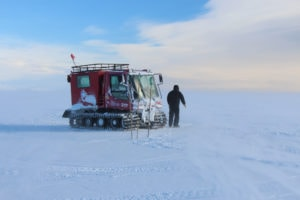 Researchers traveled the 30 km to the fish hut by snowmobile or in a Piston Bully. (P. DeCarlo, all rights reserved)